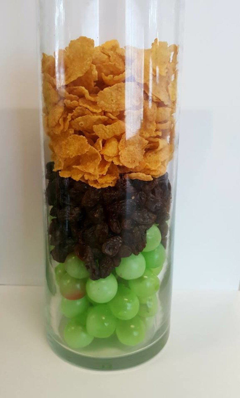 corn-flakes-raisins-grapes-798x1327@2x